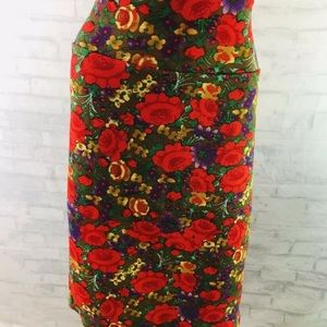 Lularoe Cassie Pencil Skirt Size Large Rose Print